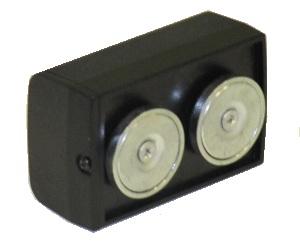 GPS трекер на двух неодимовых магнитах. Черный корпус идеально скрывает наличие трекера.